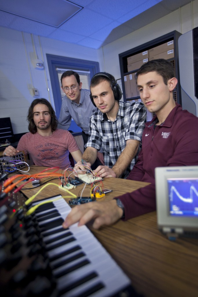 Professor Daniel Sabatino and his students are working on an interdisciplinary project that would modernize traditional modular analog synthesizers.