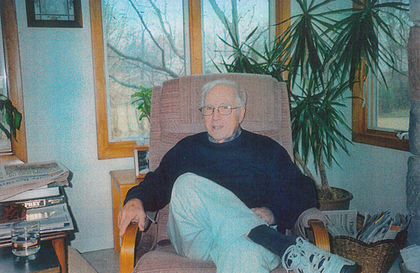 Don Mildrum '53 at his home